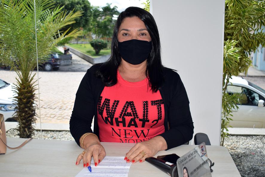 Vereadora Najinha diz que só após 5ª parcela dos repasse do FNDE a prefeitura de Baixa Grande inicia distribuição dos Kits de Alimentação Escolar
