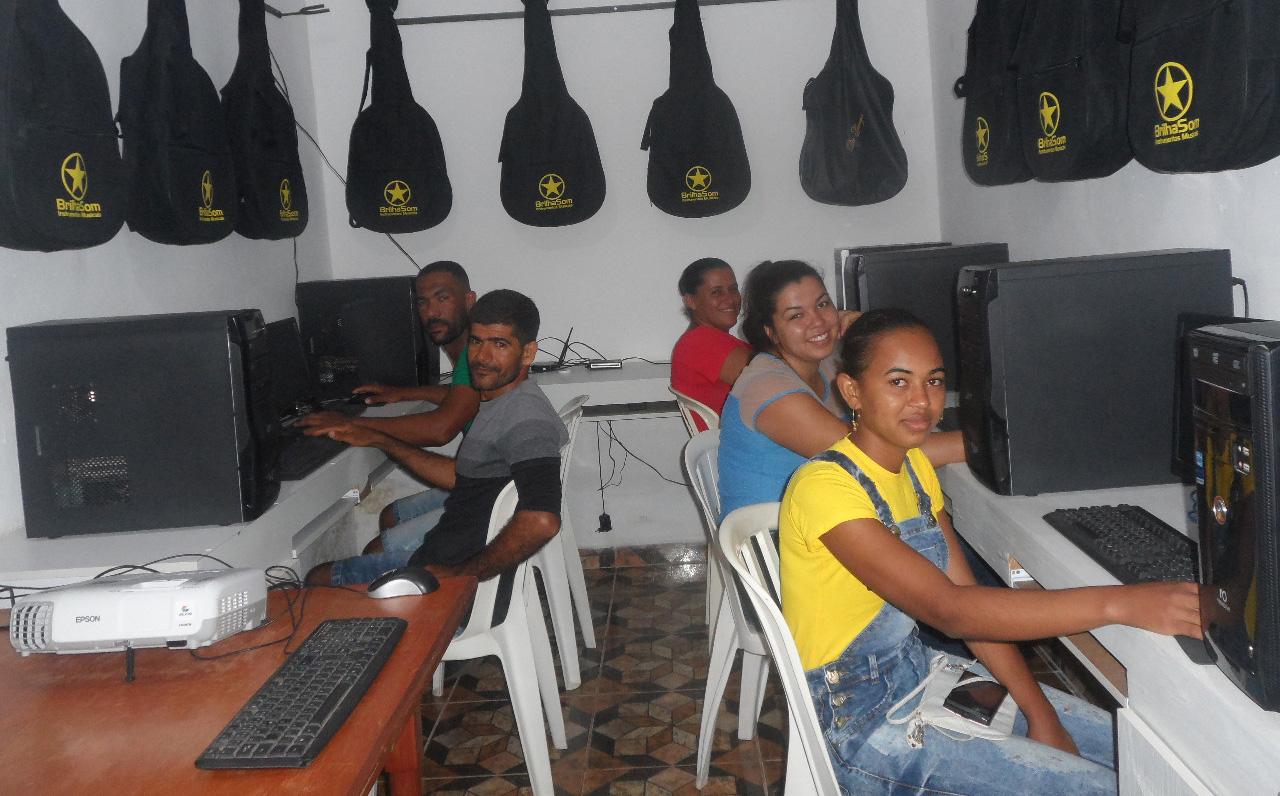 STTR Baixa Grande inicia mais uma turma de Informática com 30 alunos
