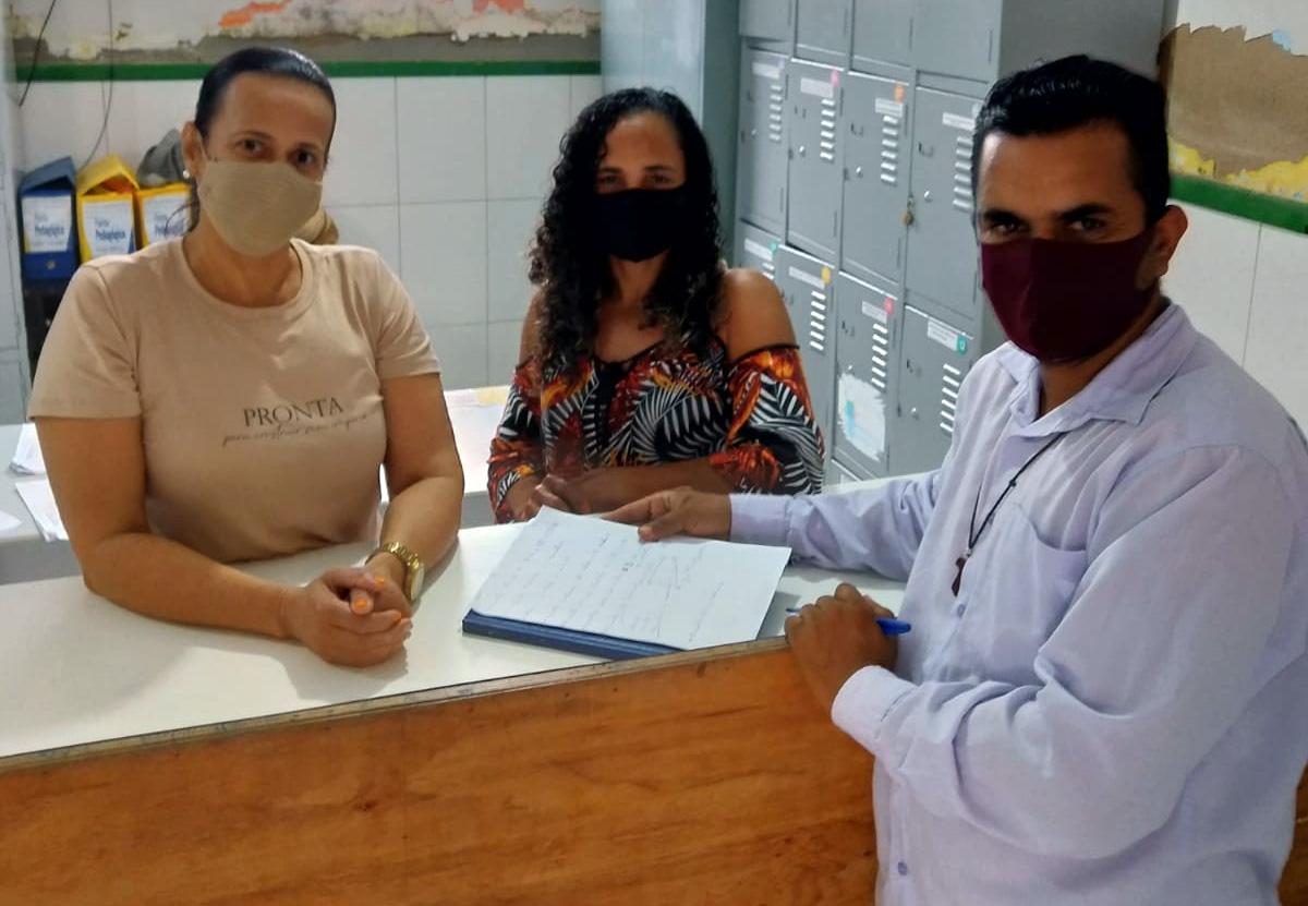 Vereador Beto visita escola municipal na sede do Município de Capela do Alto Alegre