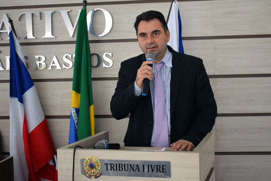 Amós Júnior explica os motivos de pedir explicações sobre contrato e pagamentos da prefeitura de Baixa Grande com empresa terceirizada