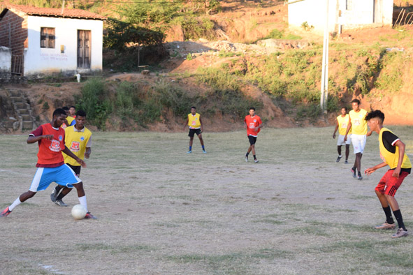 Com participação de atletas da Zona Rural, time da Quadra Q promove coletivo de futebol em Baixa Grande