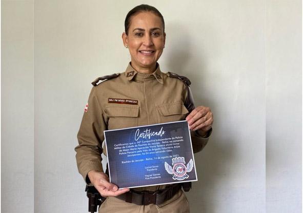 Brigada Voluntária Anjos Jacuipenses concede certificado a Major PM Maria Aparecida 90ª CIPM em Riachão do Jacuípe