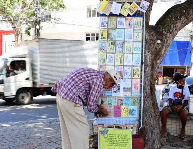De Baixa Grande Folheteiro e cordelista, Jurivaldo Alves reforça o papel da literatura de cordel para a história Feira de Santana