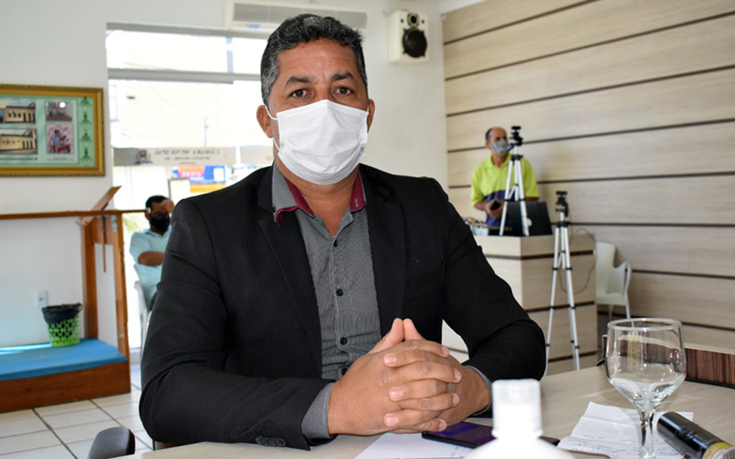 Vereador Negão do Lasca Gato encaminha ao deputado Otto Filho solicitação para Gramado Sintético no Estádio Municipal de Baixa Grande