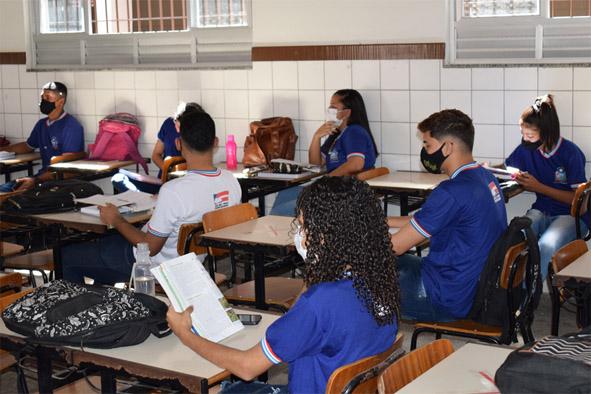Após dois estudantes testar positivos para a Covid-19, Colégio José Ribeiro suspende aulas presenciais por 14 dias em Baixa Grande