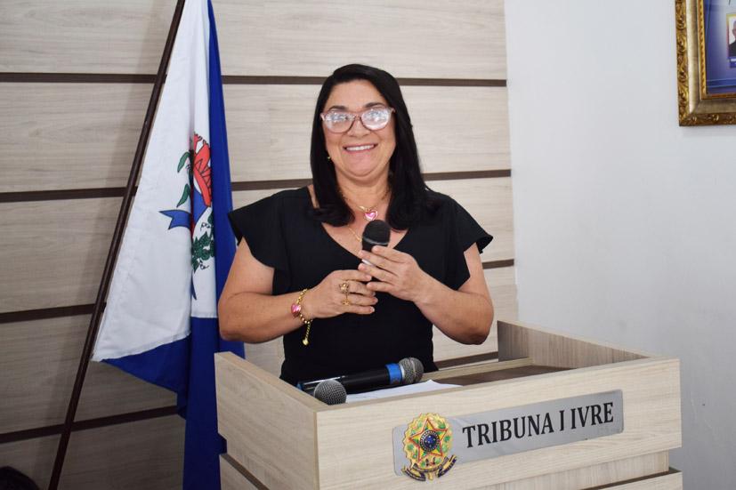Najinha critica novamente descasos na saúde pública de Baixa Grande
