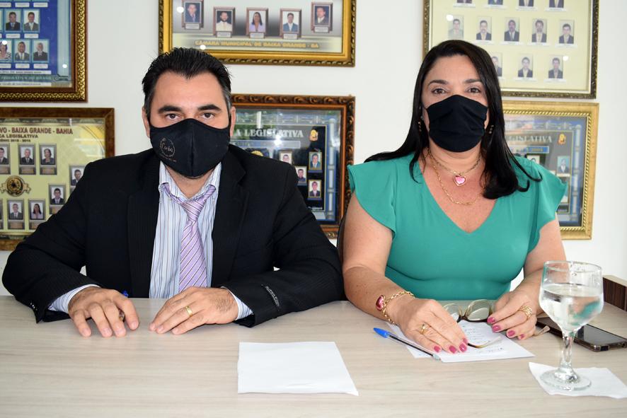 Najinha e Amós solicita relação de contratados para trabalhar na prefeitura de Baixa Grande através de cooperativa