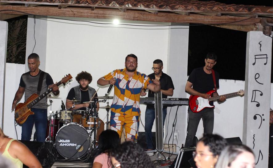 Arena Exclusive com Mil Santana e Luziane Rios é realizado em Mairi