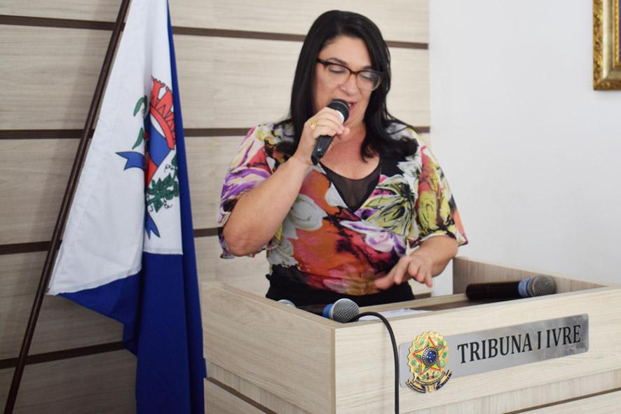 Najinha dis que os ataques contra a ex-secretária de Educação é medo do futuro político de Baixa Grande