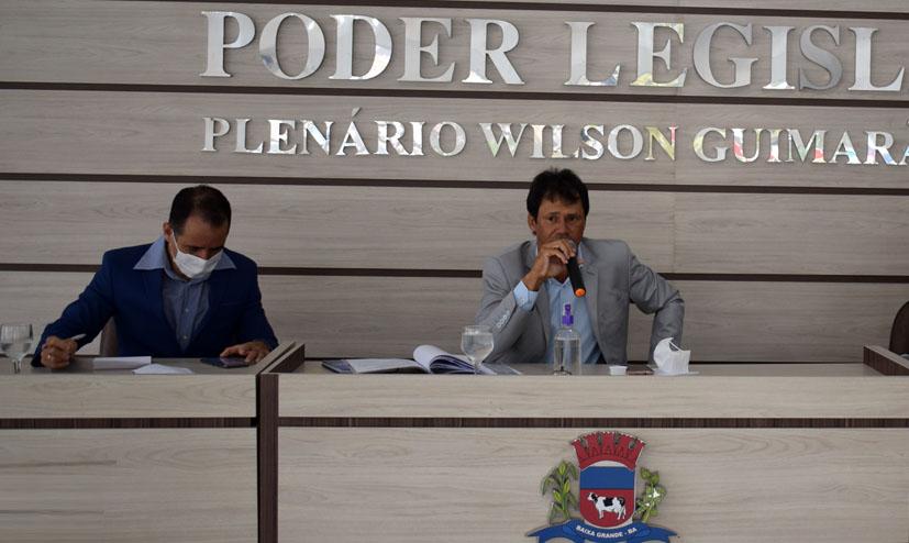 Vereadores Hélio e Ricardo pedem reajuste salarial para chefes de Transportes em Baixa Grande
