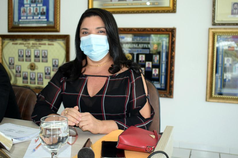 Vereadora Najinha diz que falta médico no PSF do Novo Horizonte e no CAPS de Baixa Grande
